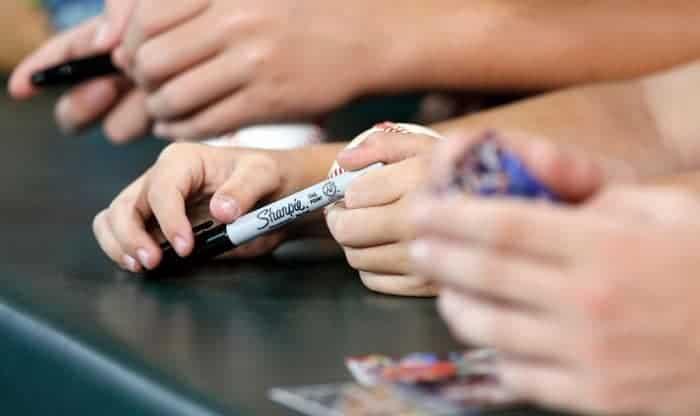best pen for baseball autographs
