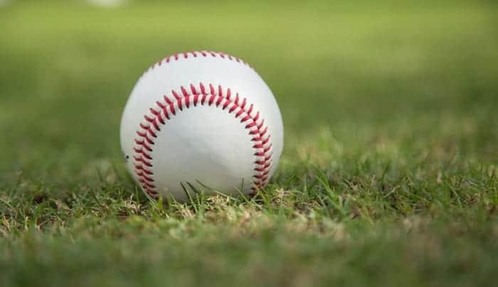 stitches-on-a-mlb-baseball