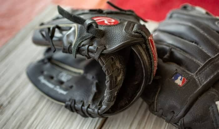 custom-baseball-glove