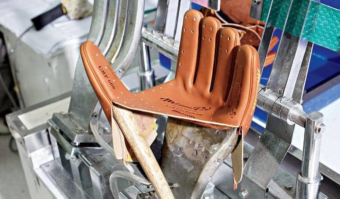 how baseball gloves are made
