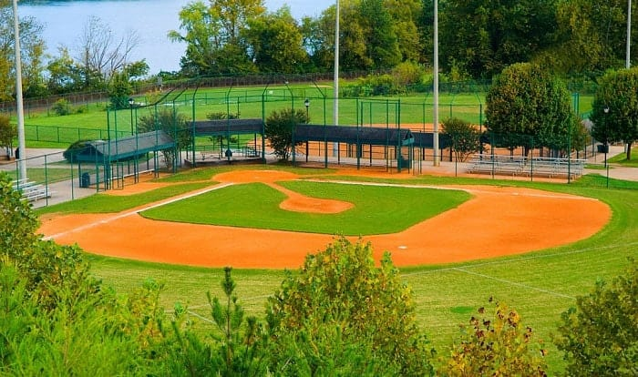 how many bases are on a baseball field