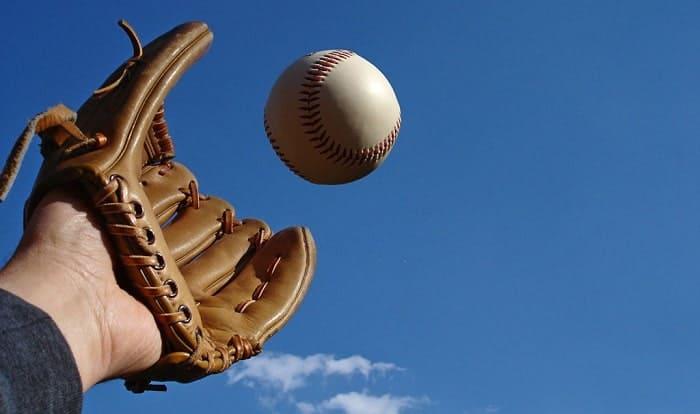 making-a-baseball-glove