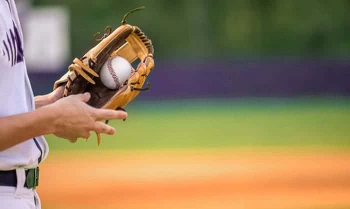 what is a hold in baseball