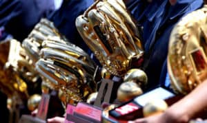who has the most gold gloves