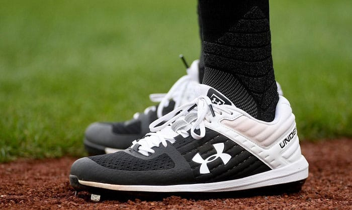 youth-wides-baseball-cleats